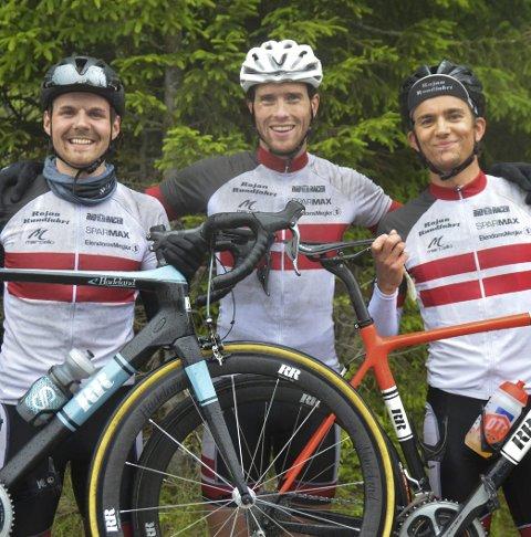 DOMINERTE: Morten Pedersen (til venstre), Henrik Steen Haugen og Øyvind Brenne Nordengen var de beste lokale herrerytterne.