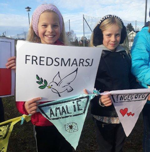 MARSJ: Tale og Amalie klare for fredsmarsj.