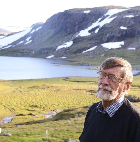 Professor: Reidar Borgstrøm ved Litlosvatn.