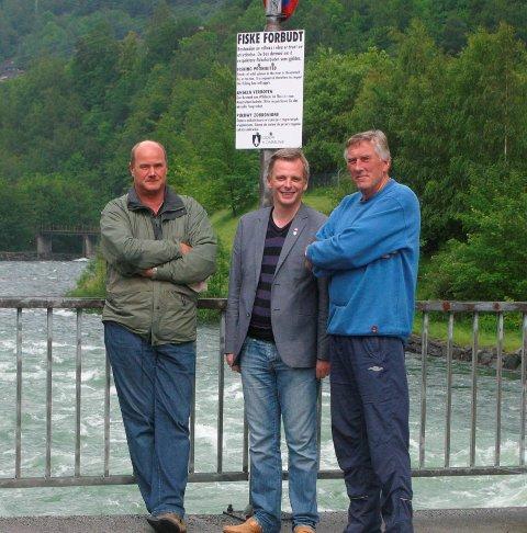 Fisking forbudt: Terje Mikkelsen, Gard Folkvord og Ivar Lægreid. Fra HF 1. juli 2011.