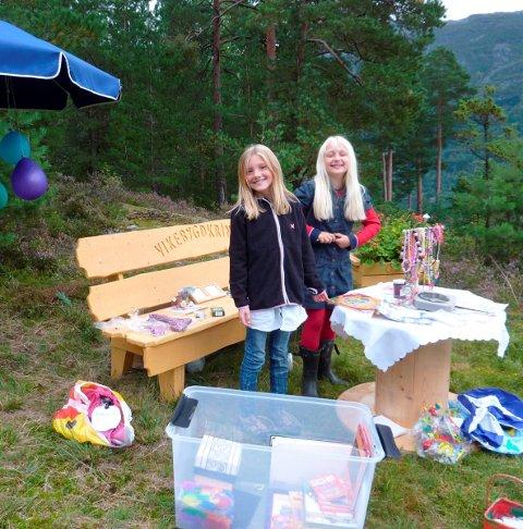 Butikkdrift: Herborg Sivertsen Nå og June Aga Baas. Frå HF 14. september 2011.