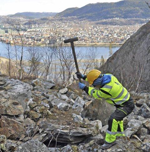 Støtte: Statskog gir 10.000 kroner til trappeprosjekt i Øyfjellet.