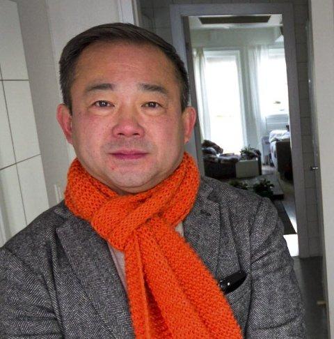 Forretningsmannen Stephen Fu er lagt inn på isolat med koronasmitte.