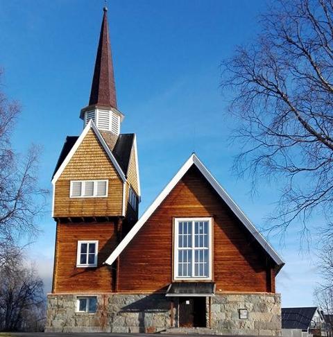 Hvorfor ikke bare godta Marta og hennes sjaman, spør artikkelforfatteren. Illustrasjonsbildet er av Sveriges nordligste kirke i Karesuando