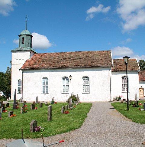 Botne kirke: Fortsetter oppussingsarbeidet. Foto: Pål Nordby