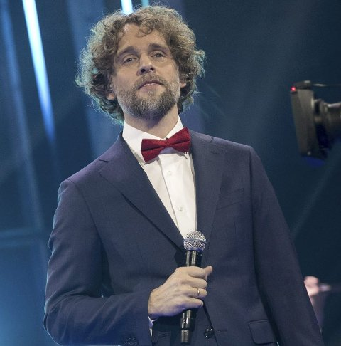 OPPTRER: Jan-Tore Saltnes vil i utgangspunktet gjennomføre de planlagte kirkekonsertene.