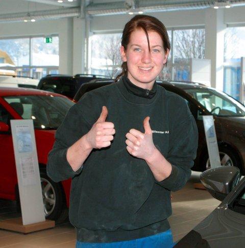 Gira: Christin Gjerde er gira på bil og motor. Fra HF 28. februar 2011.