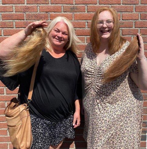 Cathinka og Eirin Baukhol hadde så langt hår at de kunne donere hestehalen til mennesker som av en eller annen grunn har behov for parykk. (Foto: Nikita)