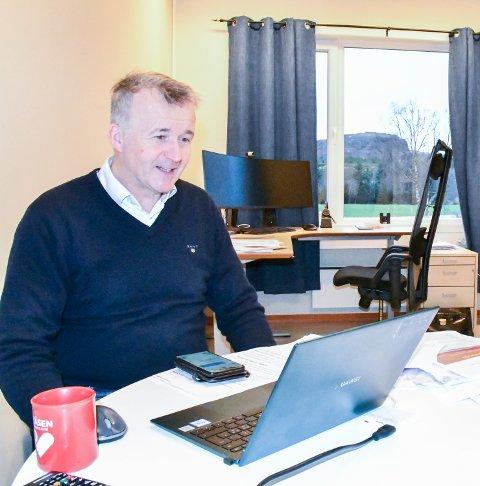 KOMMUNEDIREKTØR: Oddvar Aardahl mener Leka kommune blir bare bedre og bedre rusta for framtiden. – Vi har omorganisert oss å fått inn gode ledere der de skal være.