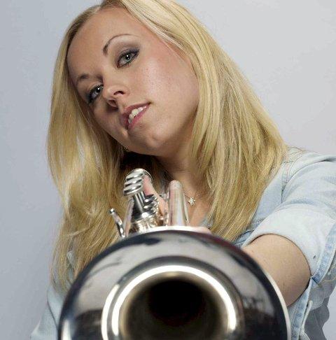STEPPER INN: Tine Thing Helseth blir Hans Olav Brenners musikalske samtalepartner under onsdagens Resonans-konsert.