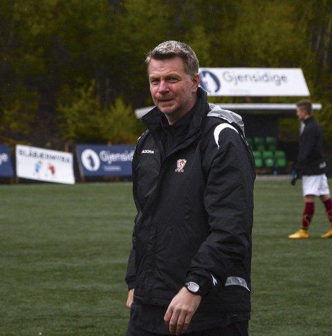 Atle Johannessen har bedt om - og fått - avløsning som trener for Valdres FKs 3. divisjonslag.