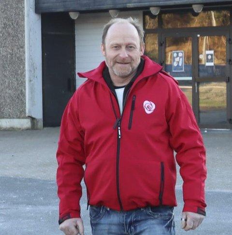 Vil ha folkebad: Tommy Berge Olsen og arbeiderlaget.