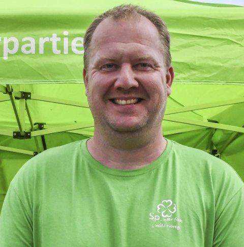 Eieren: Åmlis nye ordfører Bjørn Gunnar Baas kjøpte tidligere i år drivstoffanlegget ved butikken på Dølemo.Arkivfoto