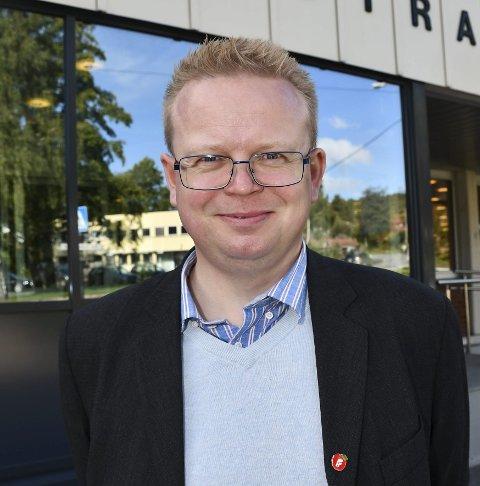 Yngve Monrad har sendt klage til Tvedestrand kommune på at ingen av legene vil gi ham vurdering for å få Johnson & Johnson vaksinen.