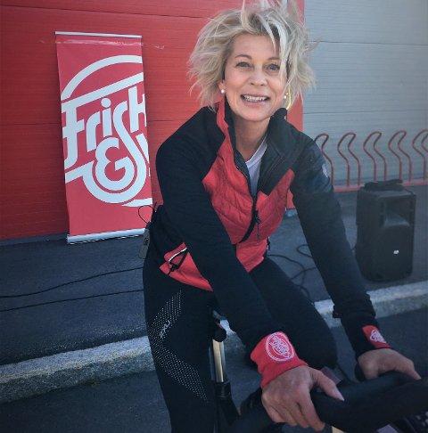 Personlig trener: Karianne Borchgrevink er utdannet personlig trener, og mandag var hun tilbake som instruktør, denne gang på spinning utendørs.