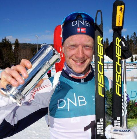 FØRSTE: Johannes Thingnes Bø tok sin første kongepokal, og var veldig fornøyd.