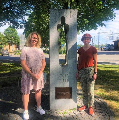 TIÅRSMARKERING: Fungerende ordfører Anne Bjertnæs og kirkeverge Line Langseth Bakkum håper at mange møter opp under markeringen på torsdag.