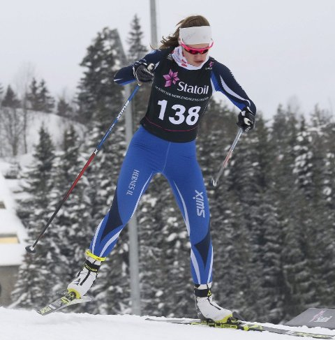 Rekord: Karoline Grøtting gikk sitt beste langrenn noen gang da hun ble nummer to i kvinnenes 17-årsklasse under norgescupen i Holmenkollen fredag.Begge foto: Erik Borg