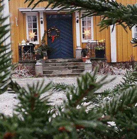 Pyntet til jul: Sist helg delte Eva Brit Solberg Bjørnstad bilde av Gryteland gård.