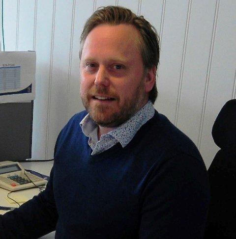 FULLFØRE SESONGEN: Daglig leder Henning Svendsen og Spart er fortsatt innstilt på å gjennomføre hele seriespillet på 45 kamper.