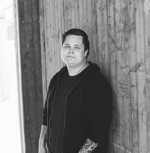 Stian Pedersen (25) overtar jobben som daglig leder/festivalprodusent Márkomeannu