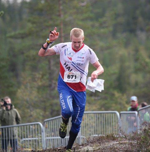 Olav Lundanes på vei mot mål under langdistansen ved Tønsberg i ettermiddag.
