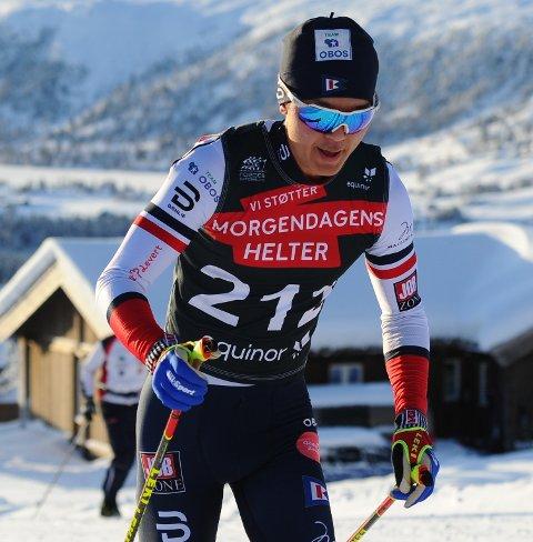 GÅR FORT: Petter Stokkeland ble nummer tre i seniorklassen i et landsrenn på Nes. Han ser frem til den internasjonale debuten i helga.