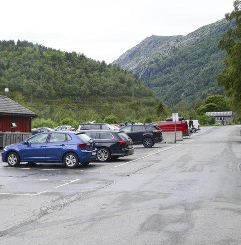 Skjeggedal: Parkeringa er tilrettelagt for personbilar.Foto: Kristin Eide
