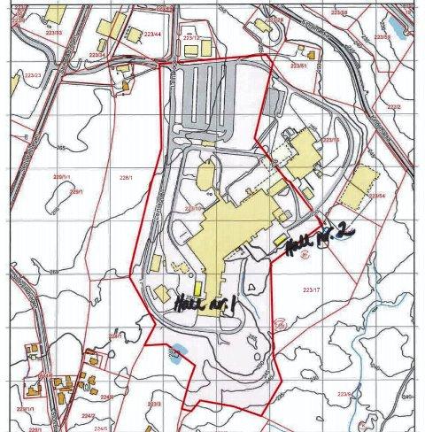 Kart som viser hvor de to hallene skal plasseres. Parkeringsplassen ses foran inngangen på Nortura-bygget.