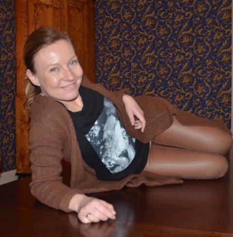 GLAD SEMIFINALIST: May-Kristin Berg Tangen fra Bjørkelangen gikk videre i Norske Talenter sammen med dansegruppa Mdonnaz i kveld. Foto: Roger Ødegård