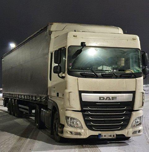 KONTROLL: Dette kjøretøyet kjørte forbi Statens vegvesens kontroll.