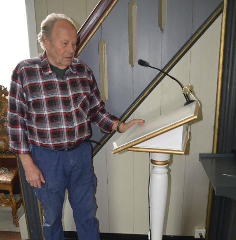 Jens Magnus Bøhler har også laget lesepulten i Hovin kirke.