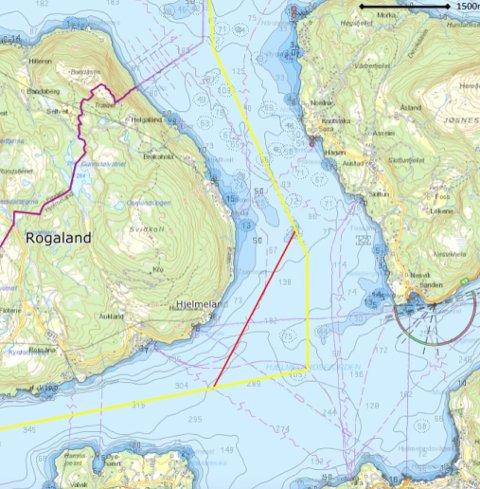 Stavanger kommune vil halda på Statens Kartverk si gule midtlinje som kommunegrense, og avviser Hjelmeland sitt forslag om den raude streken som følgjer djupålen. Dei er endå tydelegare når dei avviser forslaget om at Hjelmeland skal behalda sjøområda sjølv om Ombo blir ein del av Stavanger.