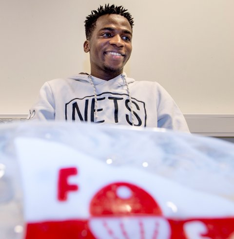 Taofeek Ismaheel blir FFK-spiller og har skrevet kontrakt for tre år  med rødbuksene. Hans tidliere trener Tom Nordlie spår han en stor fremtid,
