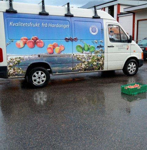 Det er ledig stilling som leiar av Hardanger Fjordfrukt på Utne. Vil du søka, må du snu deg rundt no.