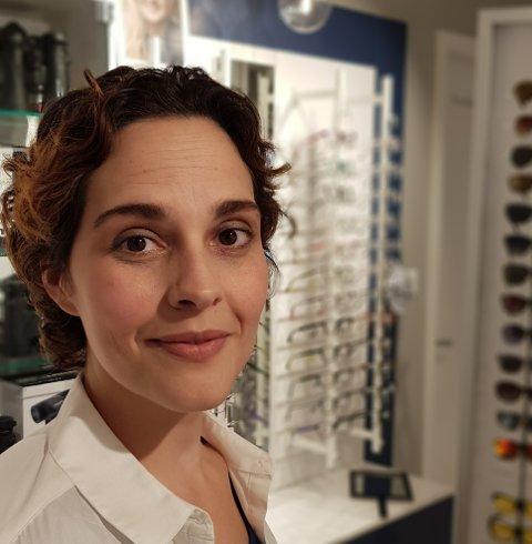 Optikar Jeanne Marie LaFrance kunne måndag endeleg ta imot kundar til synsundersøking igjen, men med ein del restriksjonar.