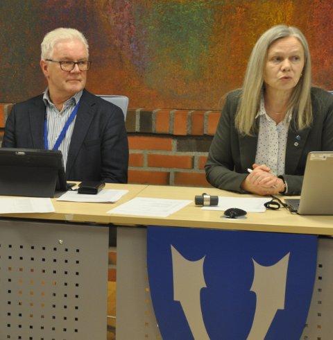 UNDERSKUDD: Varaordfører Anne Sand og formannskapet inviteres av rådmann Kjell Idar Berg til å dekke inn et merforbruk på 12,3 millioner. Frp er kritisk.