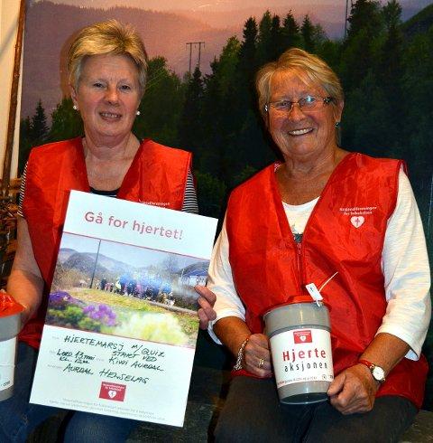 Aktivitetsuke: Torill Bjørgo (f.v.) og Lisbet Sundvoll er blant drivkreftene i Aurdal helselag, som kommende uke har stand ved Kiwi i tre dager. Lørdag går den årvisse hjertemarsjen i Aurdal.