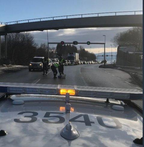 Promillekontroll: 100 bilførere ble kontrollert lørdag formiddag på riksvei 80.