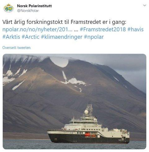"""Polarinstituttet la ut dette bildet av """"Kronprins Haakon"""" på Twitter ved starten av turen som endte i vendereis, en motor ute av drift, is i propellene og oljelekkasje i et av propellhusene."""