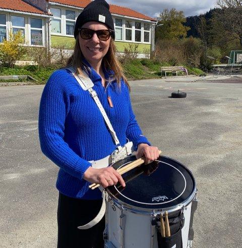 UKJENTE SPØR: – Det er veldig positivt, sier Bjørg Døving som er leder i Rossabø skolekorps.