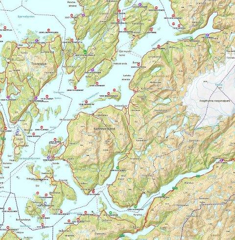 Dette kartet er ein skjermdump av kartløysinga til Fiskeridirektoratet som du finn på https://kart.fiskeridir.no/, og som viser alle dei 27 oppdrettsanlegga som er registrerte i Kvinnherad. Dei fleste er store lokalitetar, eigd av til dømes selskap som Marine Harvest, men det finst også mindre anlegg med private eigarar. Vil du sjå detaljar og fakta om dei ulike anlegga, anbefaler vi at du går inn på nettadresse nemnt ovanfor.