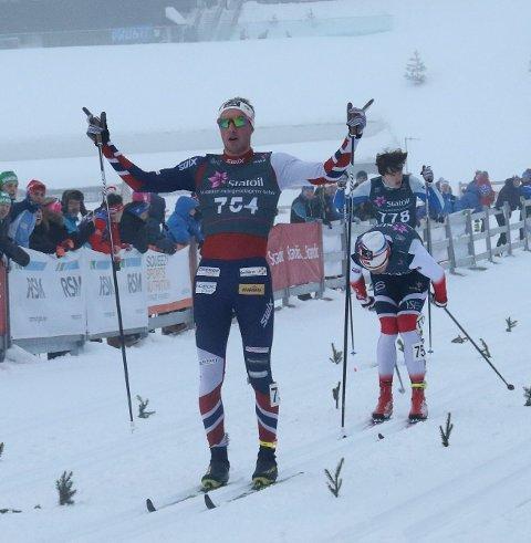 BEST igjen: Jørgen Lippert jubler for NM-gull på sprint. Foto: Erik Borg