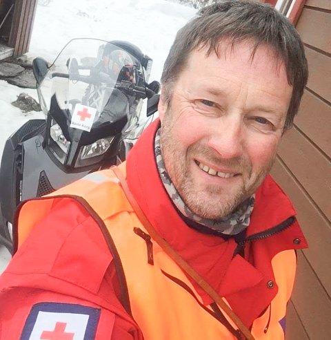 SØKER FOLK: Leder i Røros Røde Kors, Roar Dahlen, har for lengst startet planleggingen av påskeberedskapen. Bemanningen er noe lav, så nye frivillige søkes til kursing etter påska.