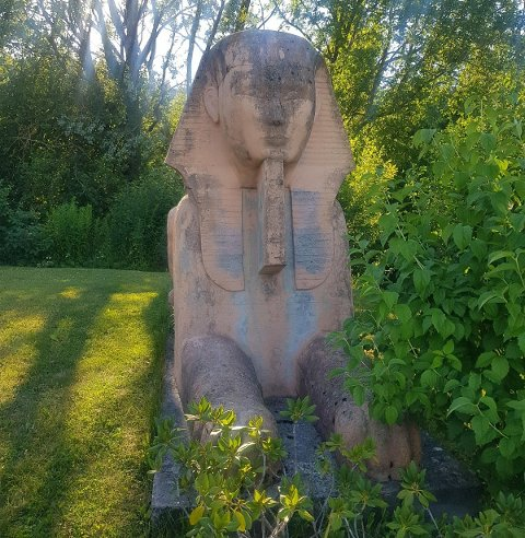 KJEKK Å HA? Nei, ikke så veldig, mener skulpturens nåværende eier, Renate Carlson Smith