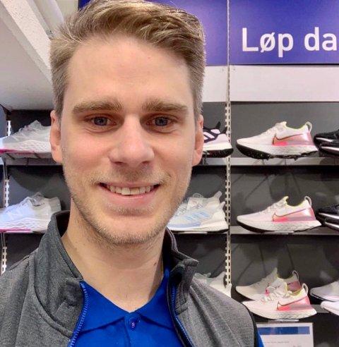 BUTIKK: Martin Sigley fra Moen er butikksjef på Intersport Storo. Han forteller om en tøff start på 2020.