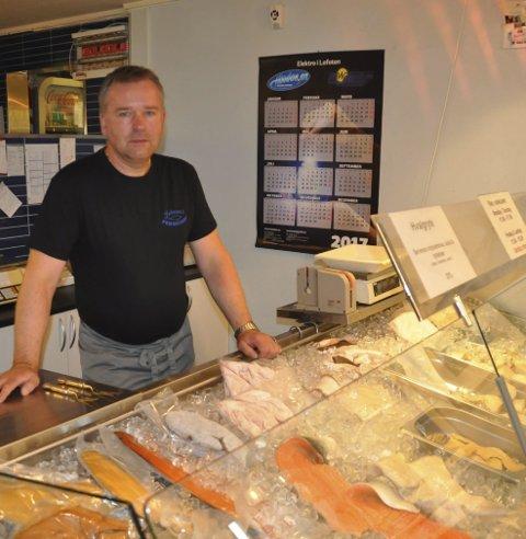 ENDRINGER: - Vi vil prøve å finne en ny driftsform for resturanten, sier Svein Kåre Johnsen som i fjor høst stengte fiskeutsalget.