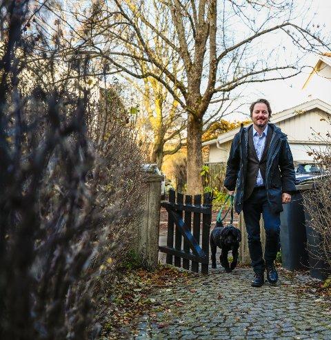 DIPLOMATISK: Olav Brekke Mathisen har selv opplevd at arv kan bringe fram våre dårlige sider. Hans råd i et arveoppgjør er å svelge noen kameler og vende det andre kinnet til. Foto: Lise Åserud / NTB scanpix