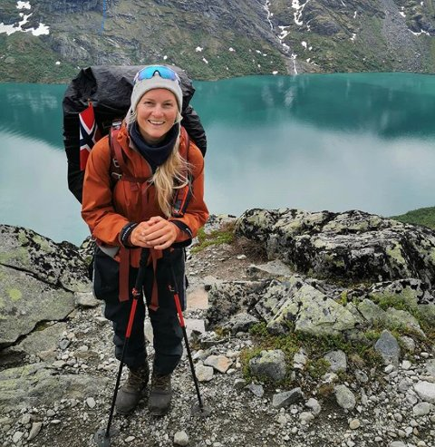 PÅ LANGS: Ida Hermans fra Sveio er endelig i mål. Fredag nådde hun Norges nordligste punkt. Her fra Bessegen-området.