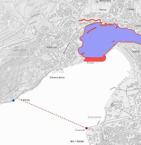 Her går grensen mellom sjø og elv i Ranavassdraget. Den røde sonen viser forbudssone i sjø og elv. Rød stiplet linje viser grense for munningsfredningssoner.